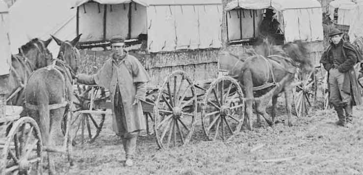 Na Guerra Civil surgiu o modelo de ambulância de paramédicos,
