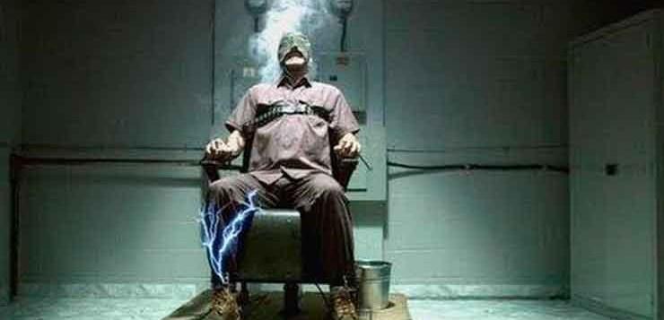 Os olhos podem saltar em chamas do rosto com a morte pela cadeira elétrica.