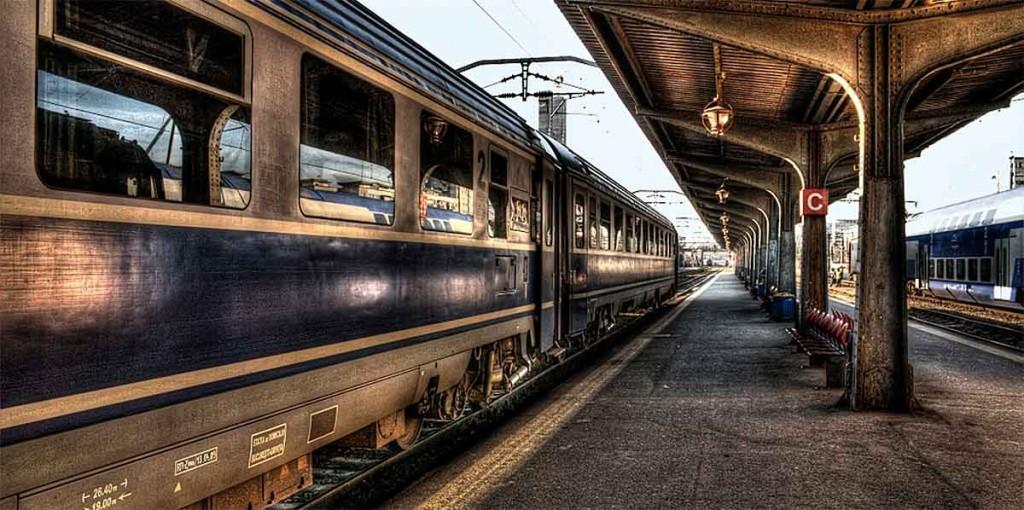 Pessoa morre atropelada por um trem ao tentar tirar um selfie.