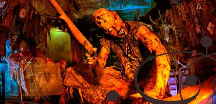 A Haunted Hoochie você precisa sobreviver a demônios e a um assassino com serra elétrica.