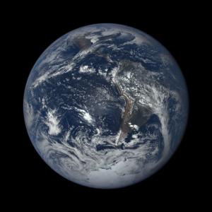 O planeta Terra passa por uma modificação não-inteligente da sua atmosfera. Como uma civilização inteligente poderia nos detectar através de um estudo de nossa atmosfera?