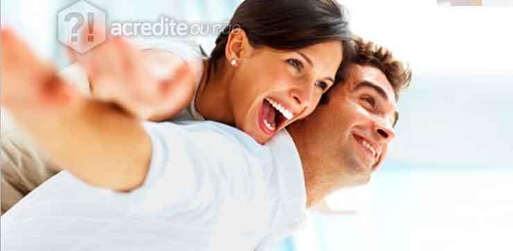 casal-feliz-parceiro-homem-mulher