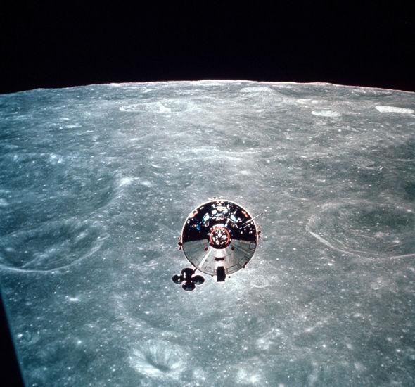 lado escuro da lua satelite