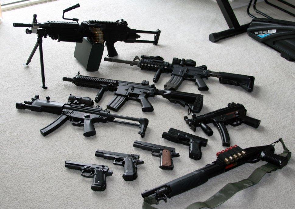 No Euroarms você encontra diversos tipos de armas proibidas, vendidas livremente.