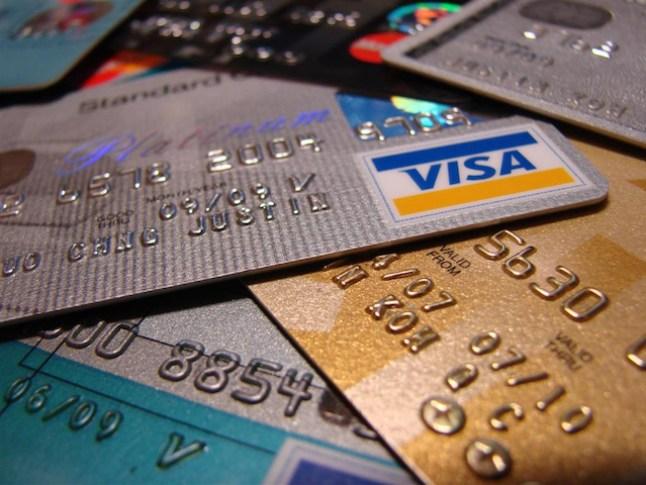 Precisa de um cartão de crédito com saldo ilimitado para comprar a vontade? Na Deep Web tem.
