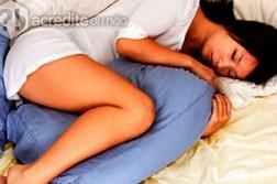 travesseiro-incrível-bizarro-mulher-dormindo