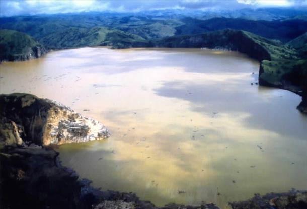 Erupção Límnica