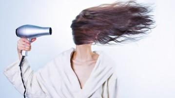 cabelos-mulher-secador