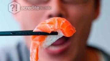 comendo-sushi
