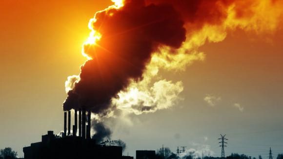 A atividade humana é a maior causa da poluição do ar, e a maior parte vem dos processos industriais.