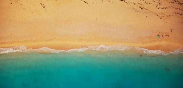 praia-agua-mar-oceano