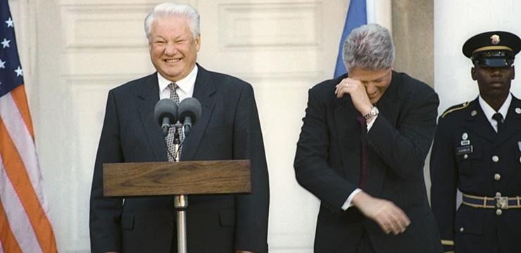 Boris Iéltsin e Bill Clinton, presidentes da Rússia e dos Estados Unidos no período de reaproximação (Foto: Wikimedia)