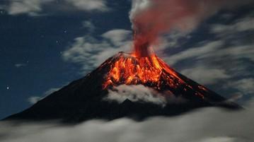 vulcão-erupção