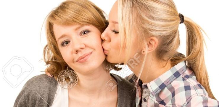cumprimento-beijo-rosto
