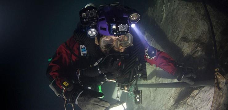 mergulhador-caverna-abismo-de-hranice
