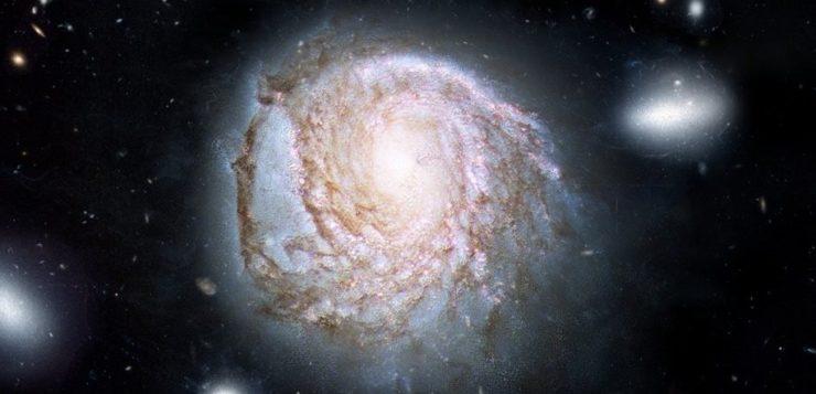 Ilustração mostra a galáxia NGC 4921 baseada em observações de telescópio (Crédiot: ICRAR/NASA)