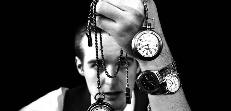 homem-relógios