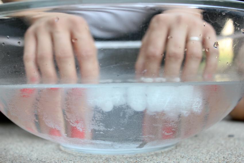 mãos-água-gelada