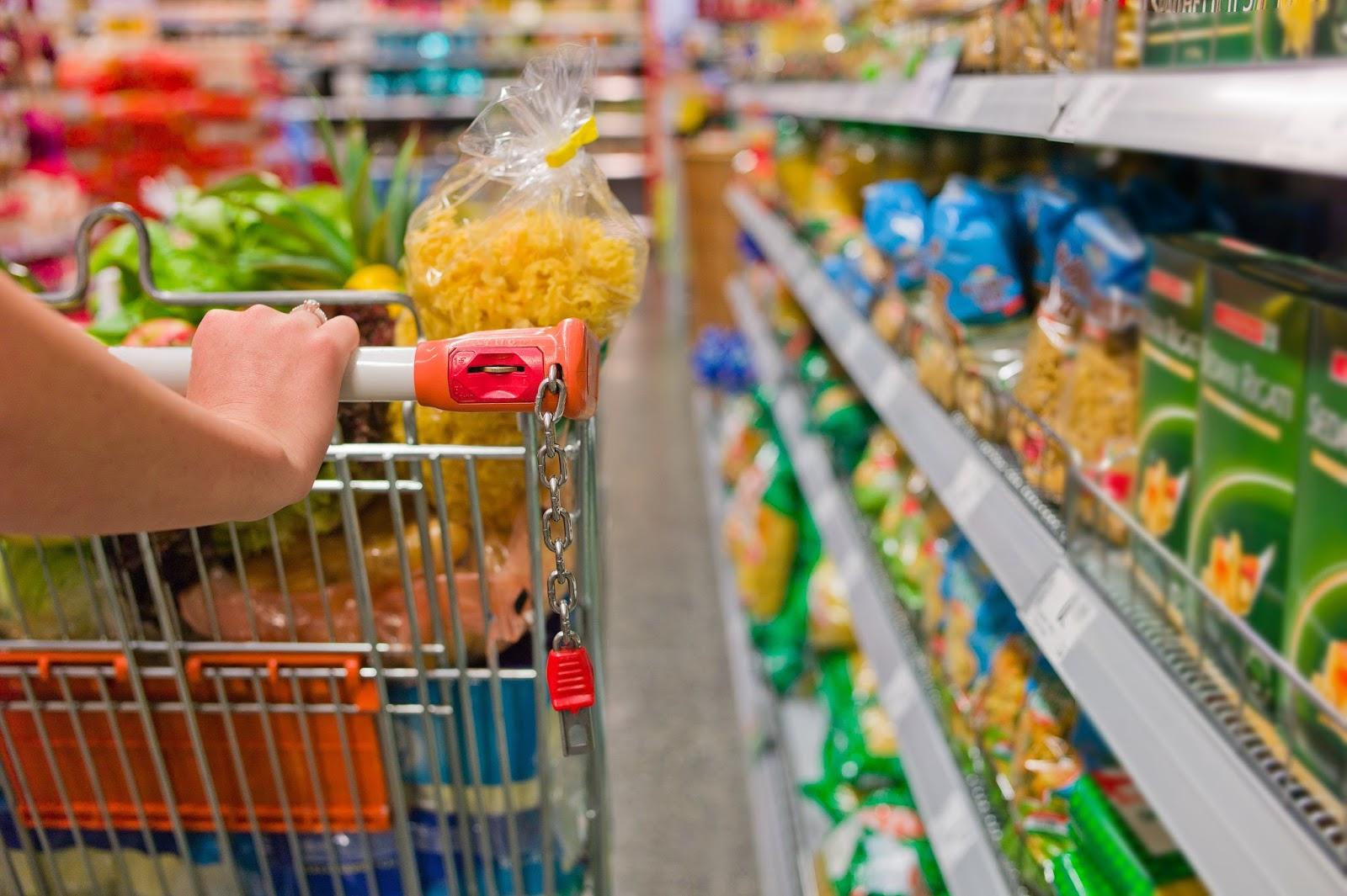Resultado de imagem para compras comida