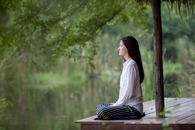 pose-meditation-pose-lady