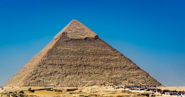 Egito rebate Elon Musk: pirâmides não foram construídas por alienígenas
