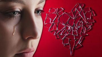 Coração Mulher tem literalmente um 'coração partido' com a morte de seu cachorro