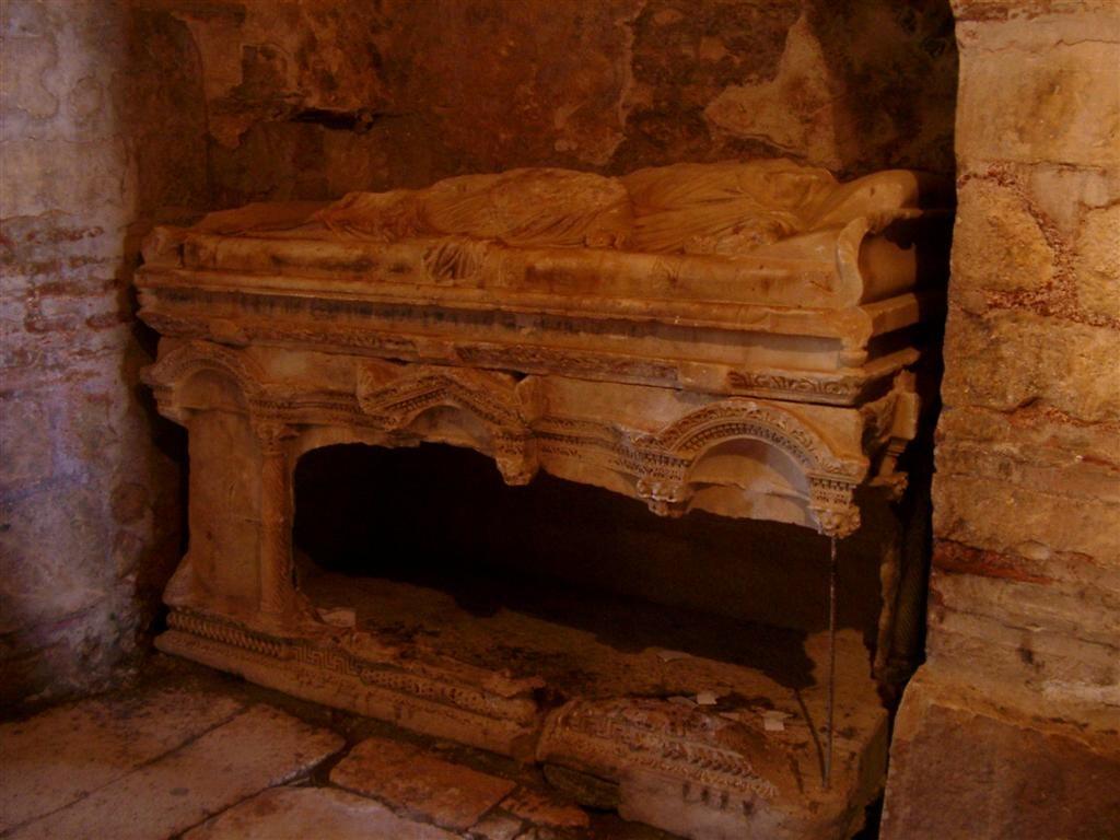 Possível tumba de São Nicolau