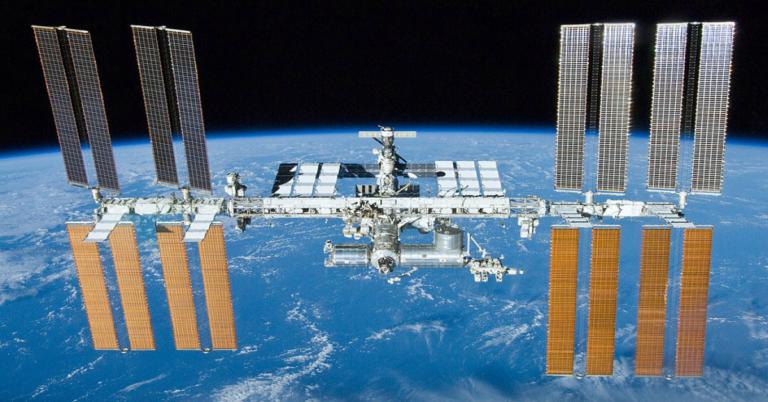 Astronautas descobrem onde é o vazamento de ar na Estação Espacial