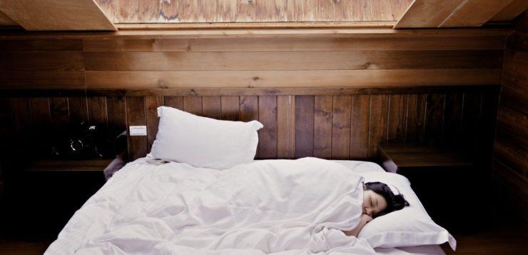 Quem dorme cedo tem maiores chances de viver mais tempo, diz estudo