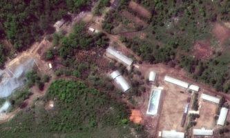 Imagem de satélite mostra o campo de testes nucleares de Punggye-ri, na Coreia do Norte. Segundo o governo de Kim Jong-un, o local foi demolido na presença da imprensa internacional (Foto: DigitalGlobe)