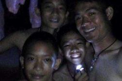 AN meninos caverna tailândia