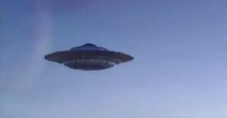 Marinha dos EUA reconhece vídeos de OVNIs como verdadeiros