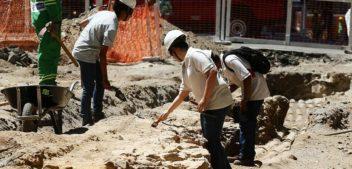 Escavação no Rio de Janeiro encontra posto de venda de escravos