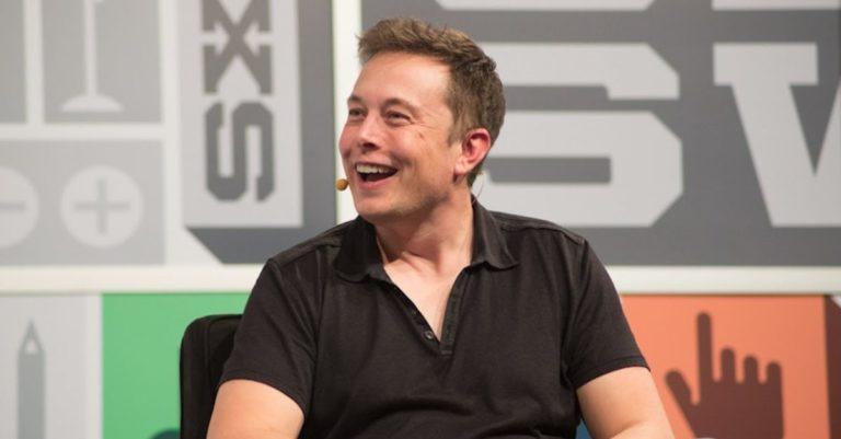 Empresa de Elon Musk cava túneis por baixo de casas sem permissão