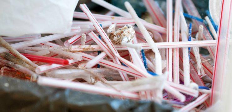 Nestlé pretende eliminar canudos de plástico de todos os produtos