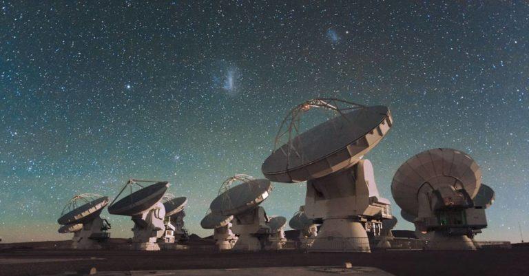 Sinais de rádio vindos de galáxia distante são detectados