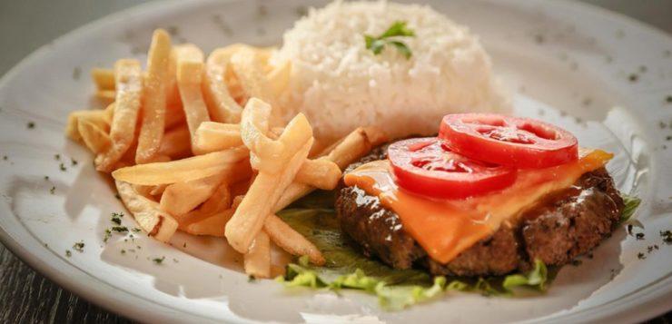 Por que um prato feito engorda mais que um lanche do McDonald's?