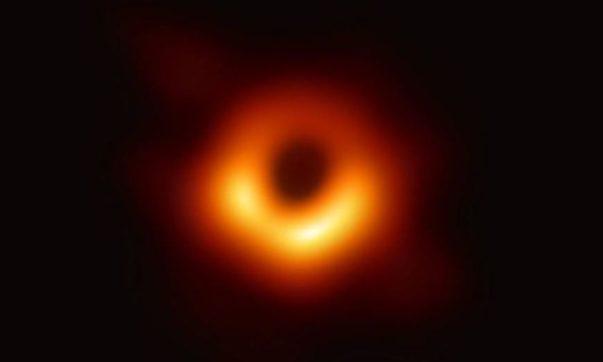 buraco negro-capa