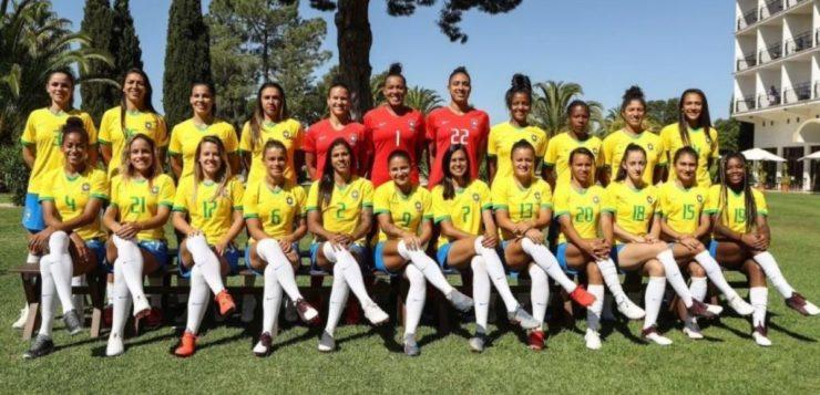 Você sabia que o futebol feminino já foi proibido no Brasil? Entenda