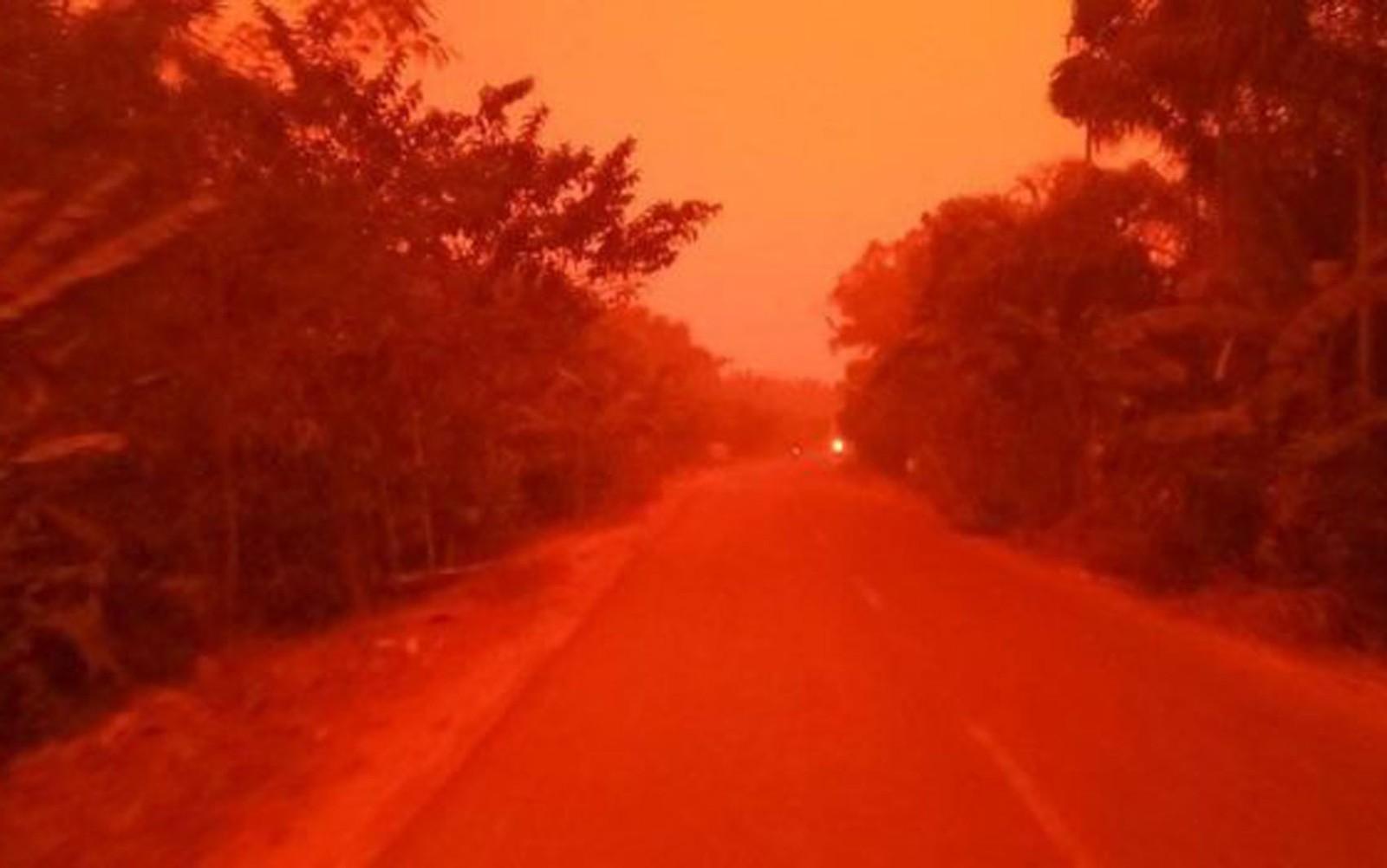 céu vermelho indonésia 1
