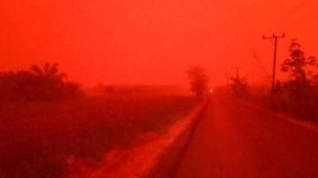 céu vermelho indonésia 3