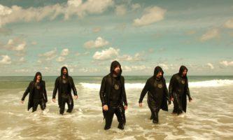 roupas pretas esquentam mais no calor