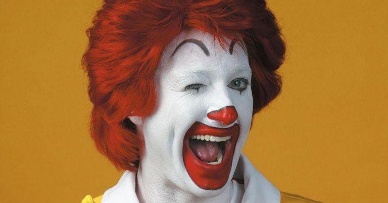 Por que o Ronald McDonald foi aposentado pelo McDonald's