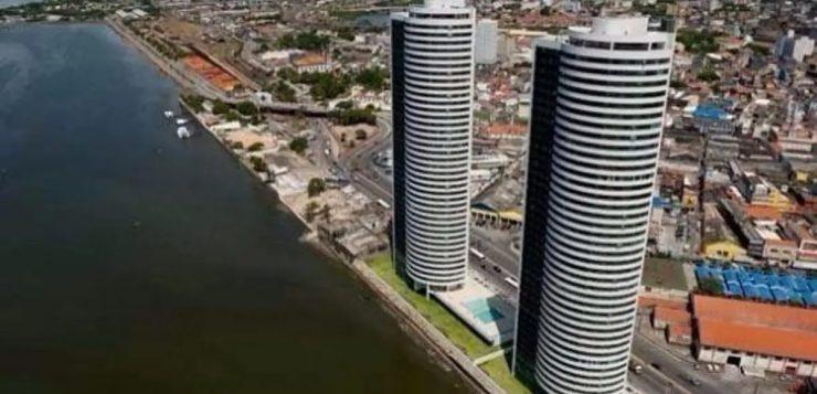Imagens mostram condomínio em Recife minutos após queda de criança
