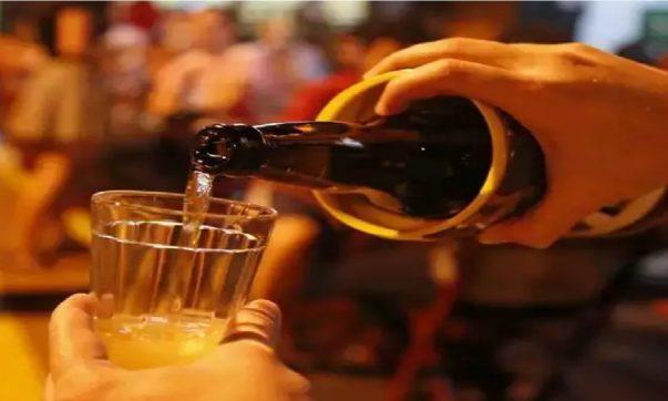 pode beber bebida alcoólica