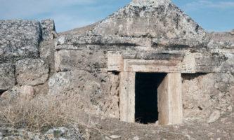 portões-do-inferno-caverna-roma-antiga