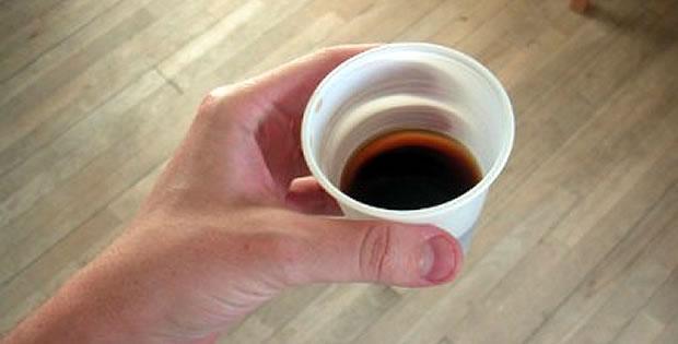 cafe-copo-plastico