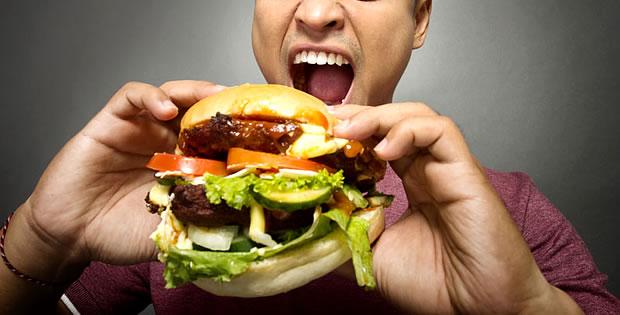 comendo-hamburger