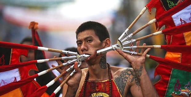 festival-nove-deuses-do-imperador-phuket-thailandia